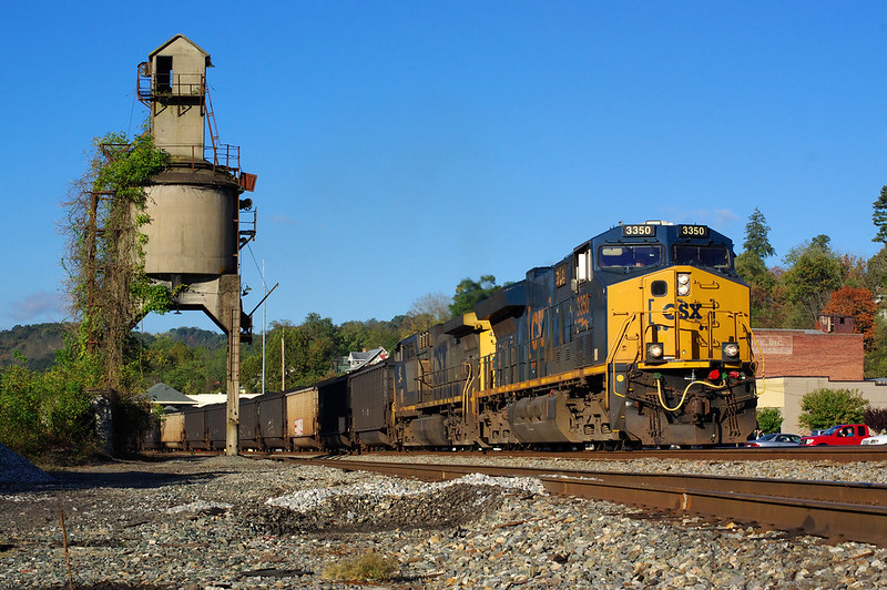 Loaded coal in Ronceverte, West Virginia. Image courtesy of John Leopard, via Flickr.